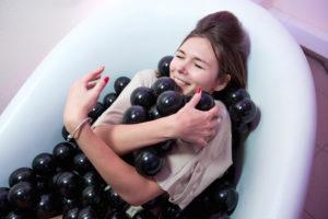 Ванна с шариками фотозона на праздник