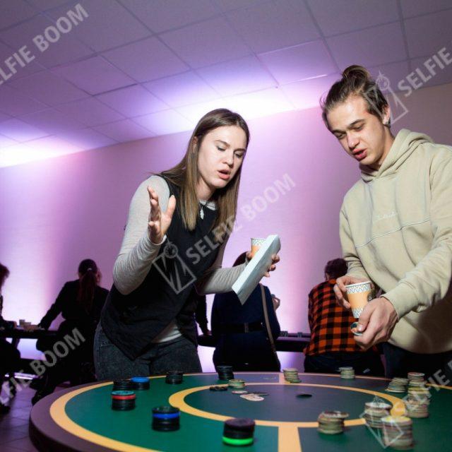 Игровой стол Кэпсы в аренду
