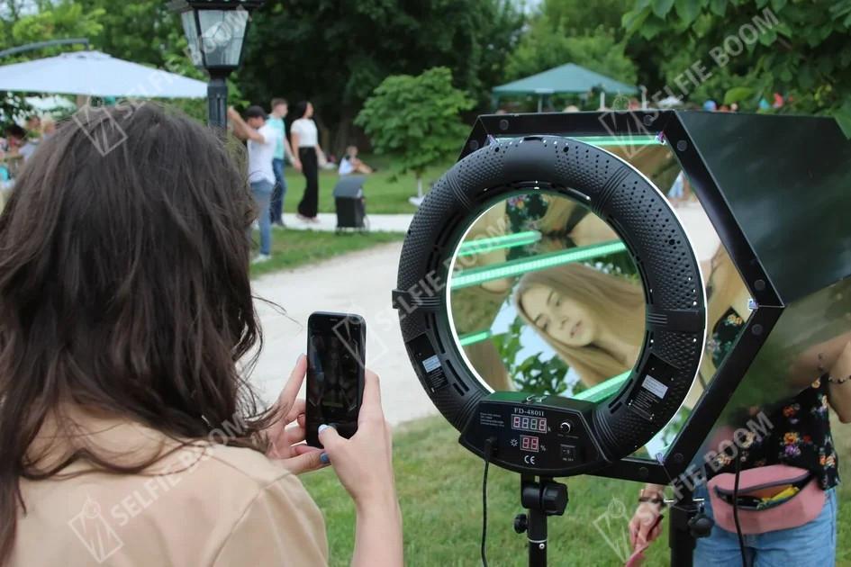 Аренда фотозоны призма на свадьбу