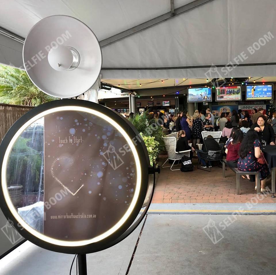 Аренда интерактивной фотозоны Круглое селфи зеркало
