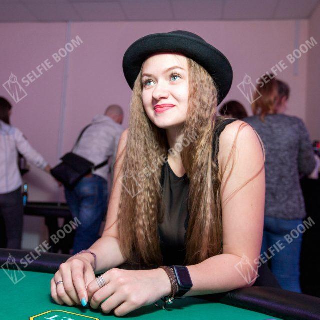 Игра в покер в аренду
