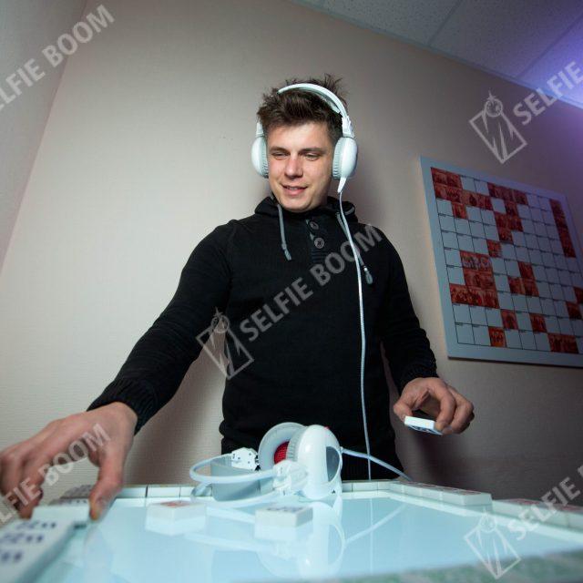 Музыкальный интерактивный стол на мероприятие